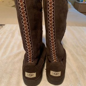 Shoes - Brown ugg Boots